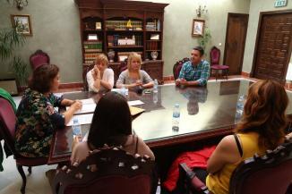 el-alcalde-recibe-a-profesoras-de-intercambio-del-programa-erasmus- (1)